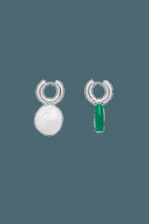 MISMATCHED PEARL HOOP EARRINGS - Silver / green - Earrings - COS GR