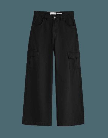 Wide-leg twill cargo pants - Pants - Woman | Bershka