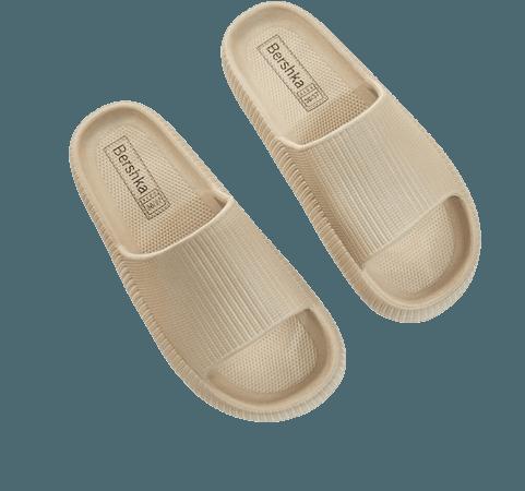 Textured flat sandals - View all - Woman   Bershka