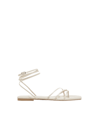 Flat sandals with tie straps - Shoes - Woman | Bershka
