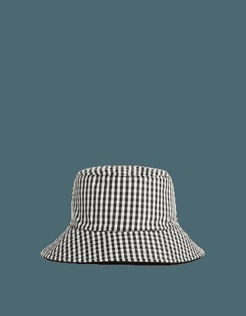 Reversible bucket hat - ACCESSORIES - Woman | Bershka