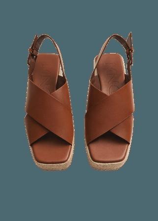 Wedge leather sandals - Woman | Mango Slovakia