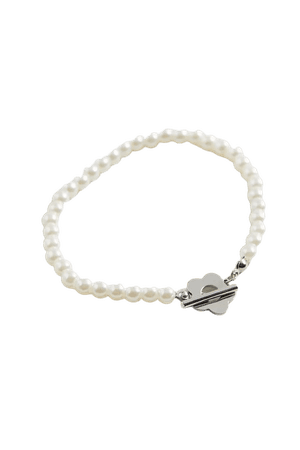 Hannah Delicate Pearl Flower Toggle Bracelet | Urban Outfitters