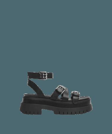 Buckled platform sandals - Shoes - Woman   Bershka