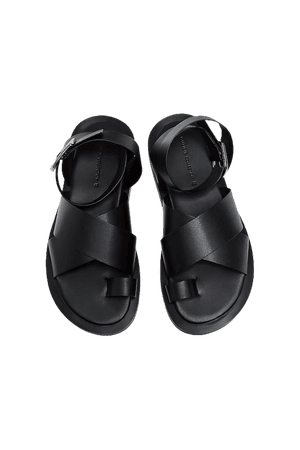 Flat strappy sandals - pull&bear