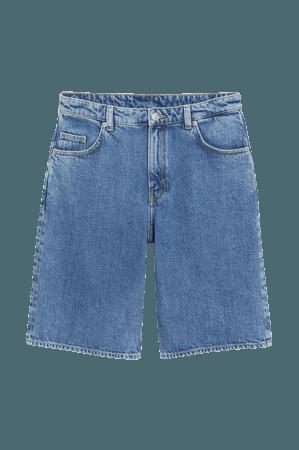Bermuda denim shorts - Mid blue - Denim shorts - Monki WW