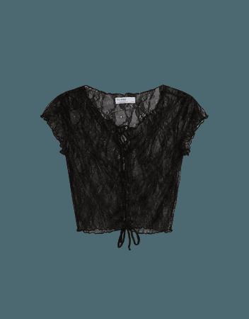 Short sleeve blonde lace T-shirt - Tees and tops - Woman | Bershka
