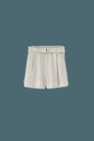 Rustic Bermuda shorts with ring detail belt - pull&bear
