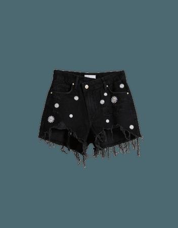 Denim shorts with embroidered flowers - Denim - Woman   Bershka