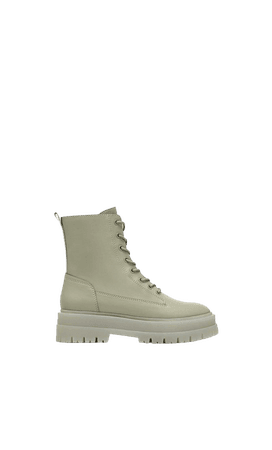 Lace-up flat ankle boots - Women's Just in   Stradivarius United States