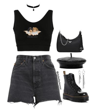 Grunge All Black Summer Look