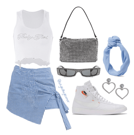 Extra Vintage Picnic Vibes