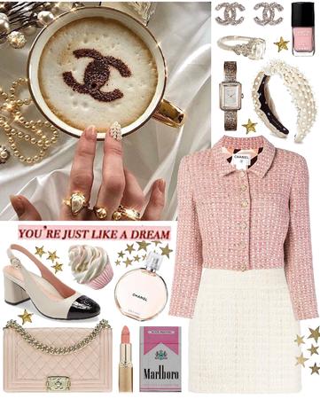 Chanel lover 🤍🥂☕️