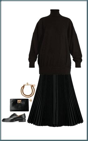 monacale total black look