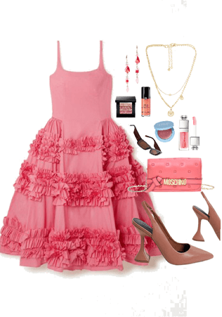 Carrie Bradshaw in coral