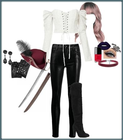 Callie Benz 15 - Halloween 2020 : Pirate