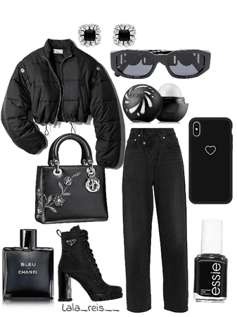 Black Monochromatic Outfit