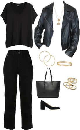 Outfit total Black accesorios dorados