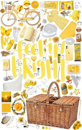 Yellow beach day 🤩