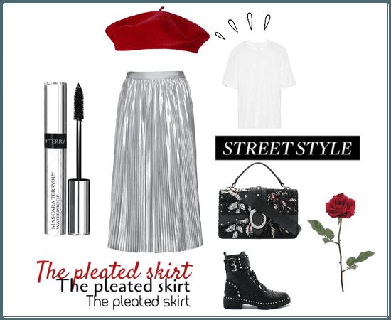 The pleated skirt !