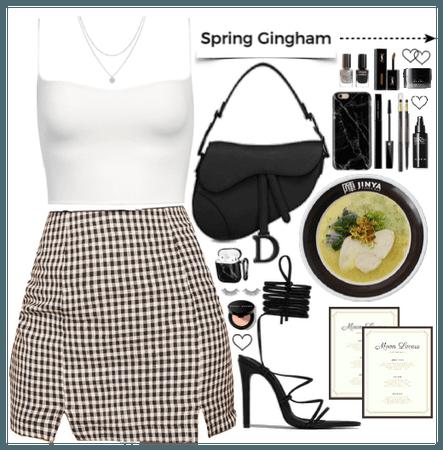 Spring gingham. White + Black