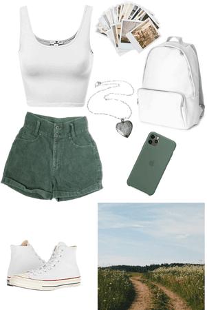 Green & white 💚🤍