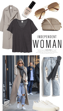 Jennifer Aniston - Street Casual