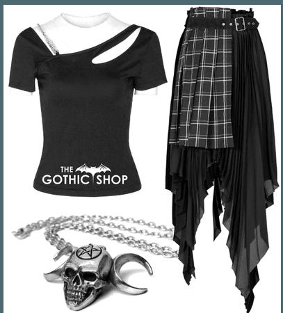 Punk goth queen