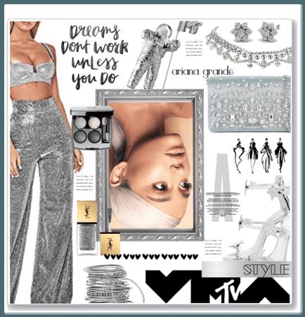 MTV VMAs style: Ariana Grande
