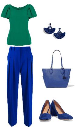 Outfit pantalón azul remera verde
