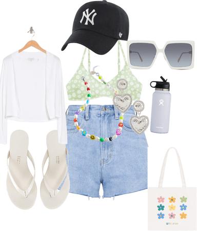 beach day ✨🌞🏖💚🤍