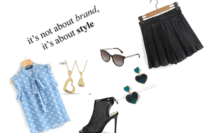 Chic Summer style.