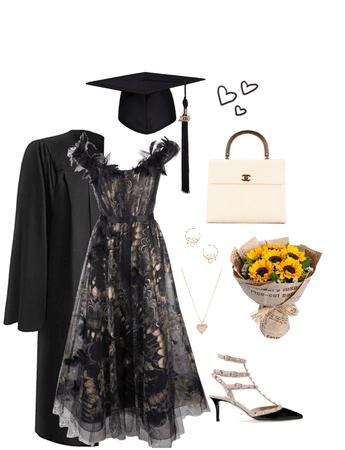 graduation day🖤🎓