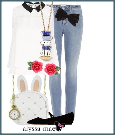 Alice in Wonderland // DisneyBound