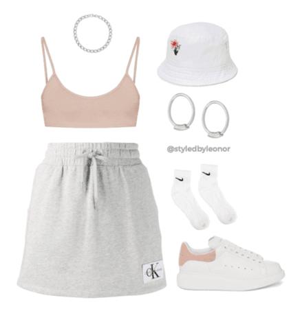 Sporty Street Wear Look