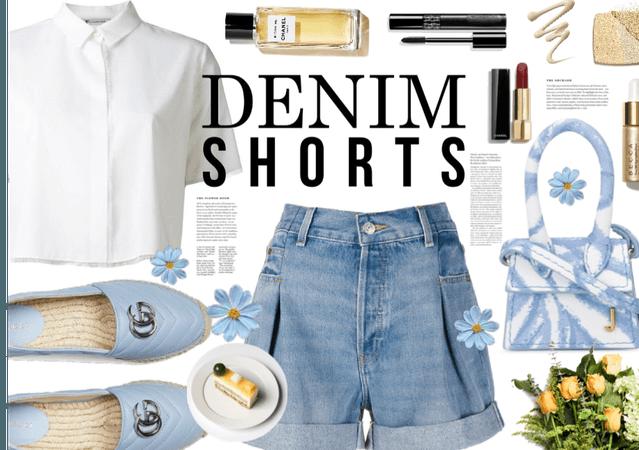 Denim Shorts: A Summer Trend