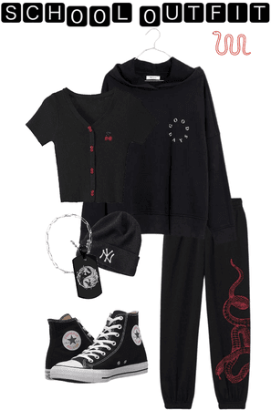 School Outfit 🖤