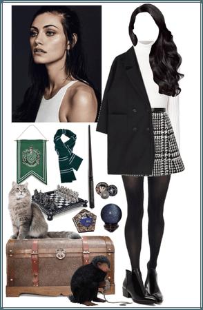 Aurora Black    Slytherin