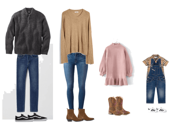 Family fall photo outfits 4
