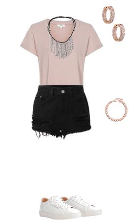 warm-shorts-black-shirt