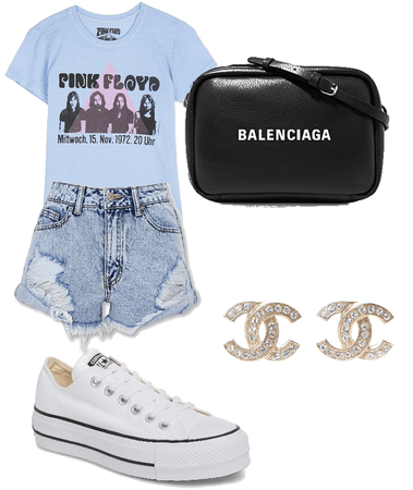 Comfortable band T-shirt outfit