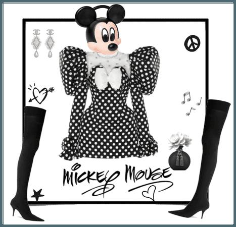Hey Mickey you so fine, hey Mickey