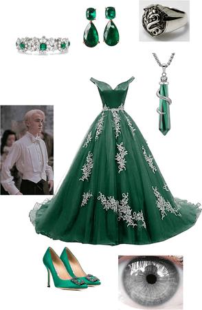 Slytherin Yule Ball ( Draco Malfoy's girlfriend )