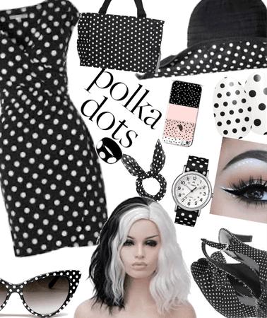 Polkadots/black and white🤍🖤