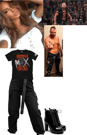 Mia shows up to an aew event surprising Jon