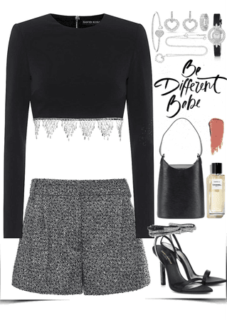 Black & classy outfit with chopard jewelry