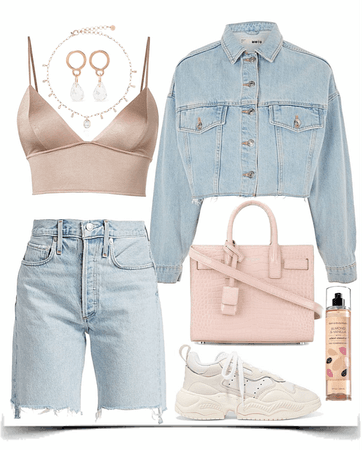 easy jeans look with light pink top