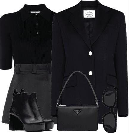 all black-prada🖤