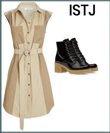 ISTJ casual dress