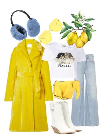Girls That Like Yellow